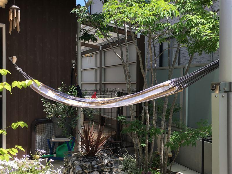 おうち時間増でお庭にハンモック!